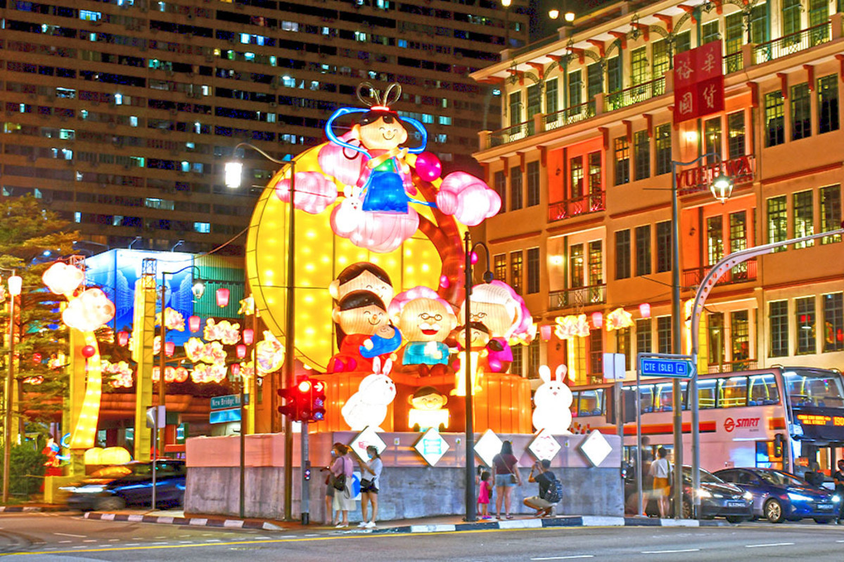 Singapore Chinatown Mid-Autumn Festival Light-Up 2020. Such illuminations are among the best free attractions in Singapore.