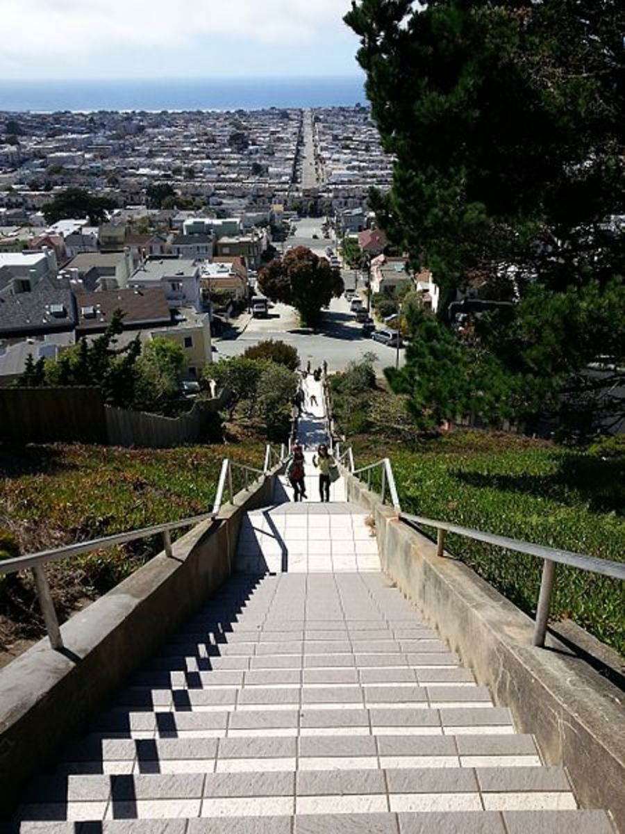 A view of the Pacific from the top of the Moraga Steps.