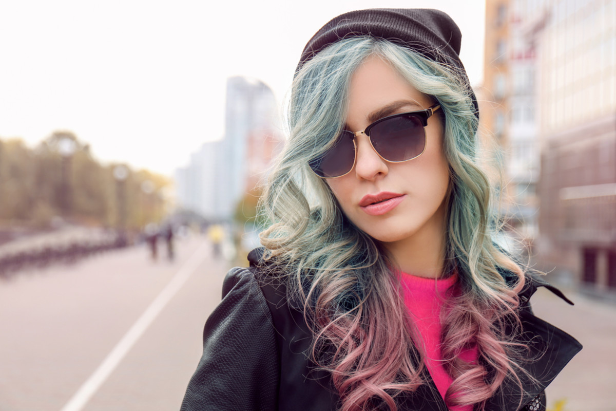 Pastel green and magenta ombre hair like this creates a really interesting contrast.