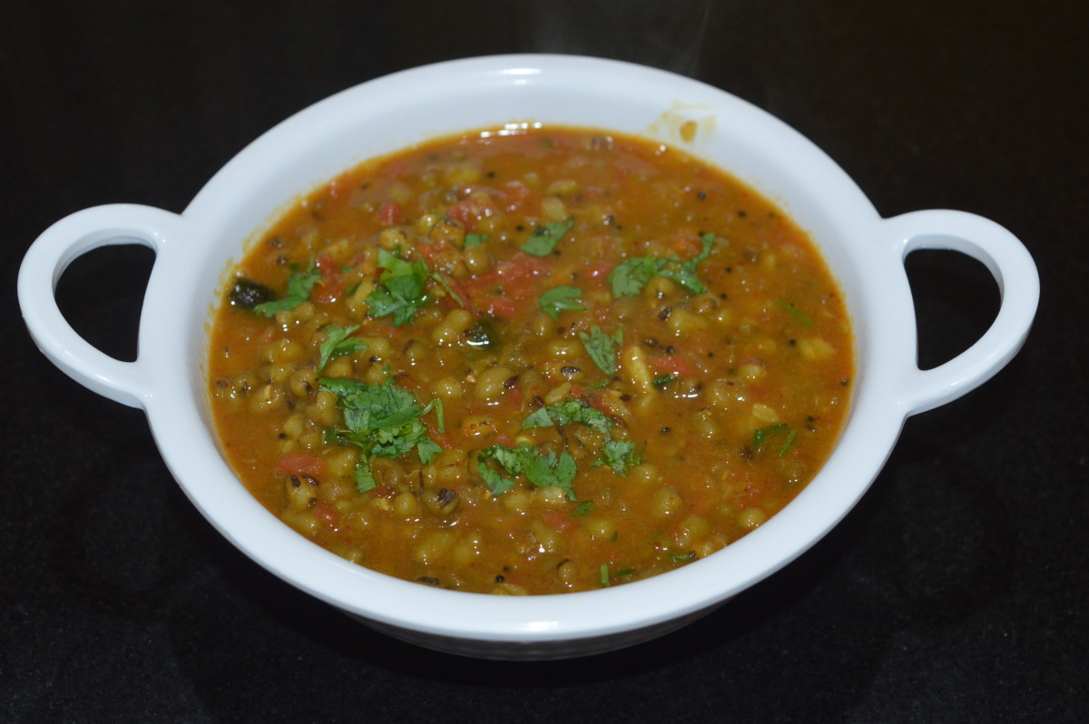 Green gram (mung beans) curry