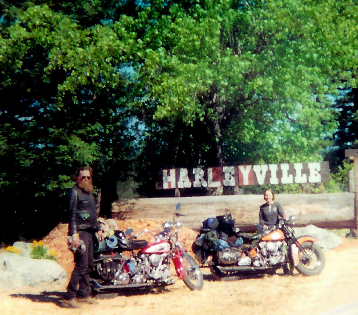 Knuckleheads at the Harleyville sign