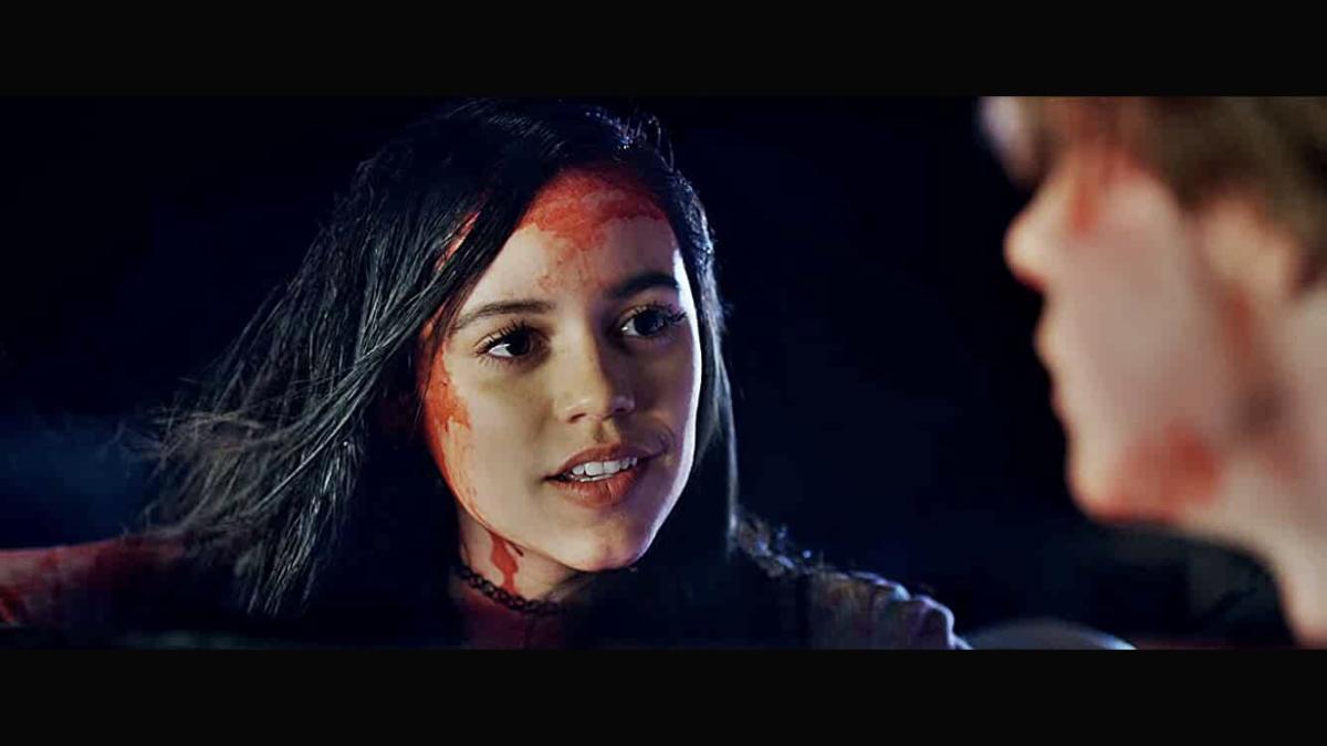 netflix-halloween-countdown-the-babysitter-killer-queen