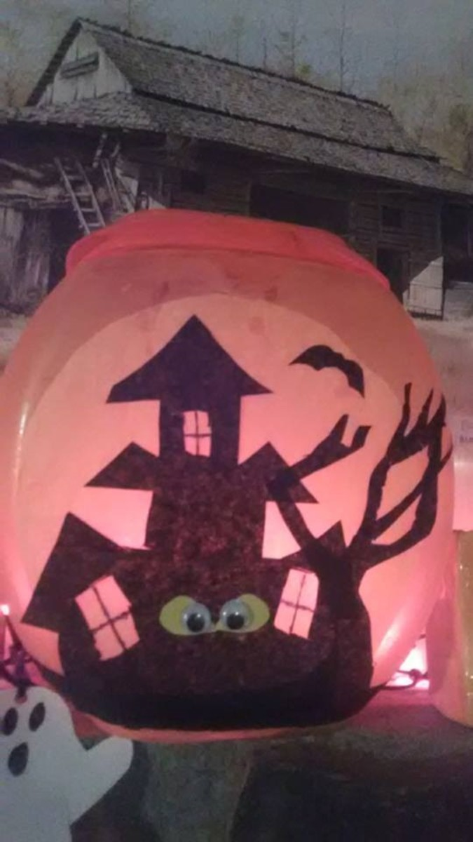 This is what my completed DIY Halloween lantern looks like.