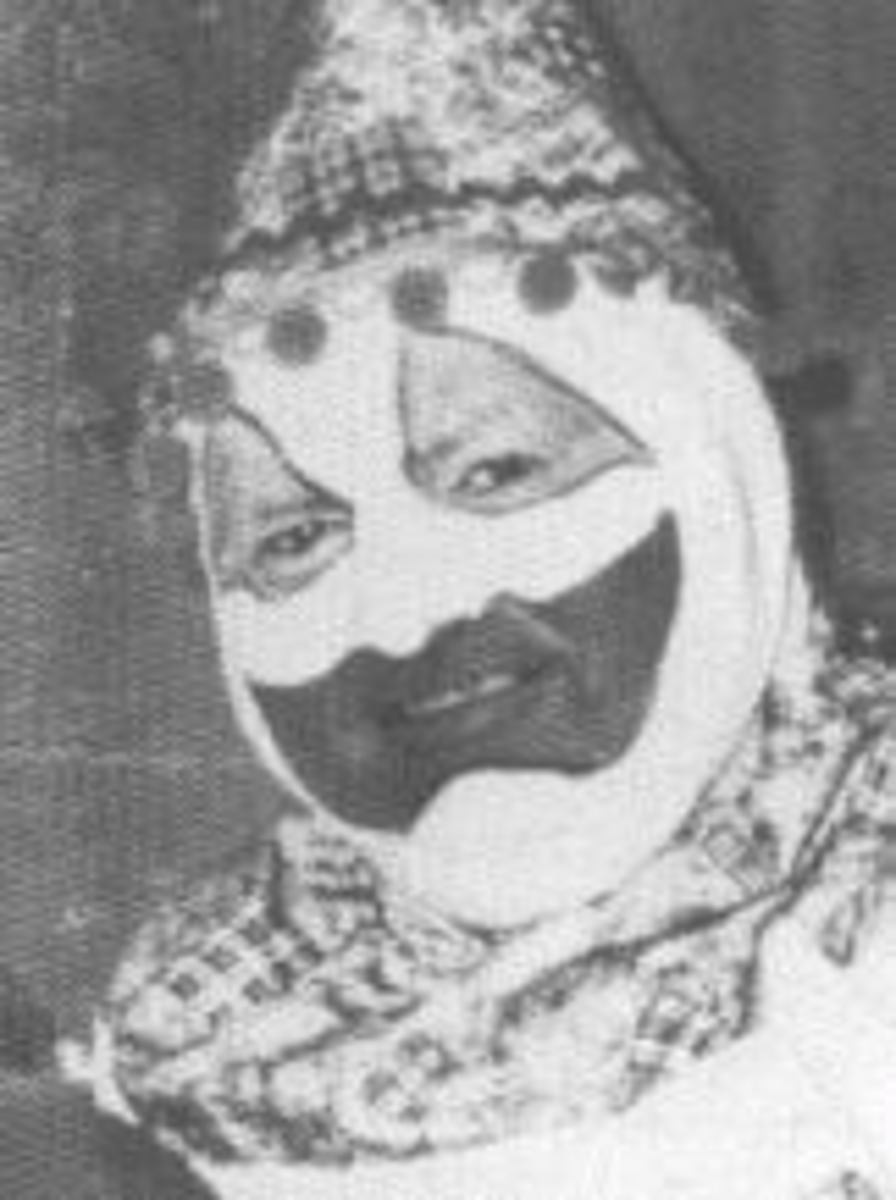 John Wayne Gacy  Dressed As Clown Again