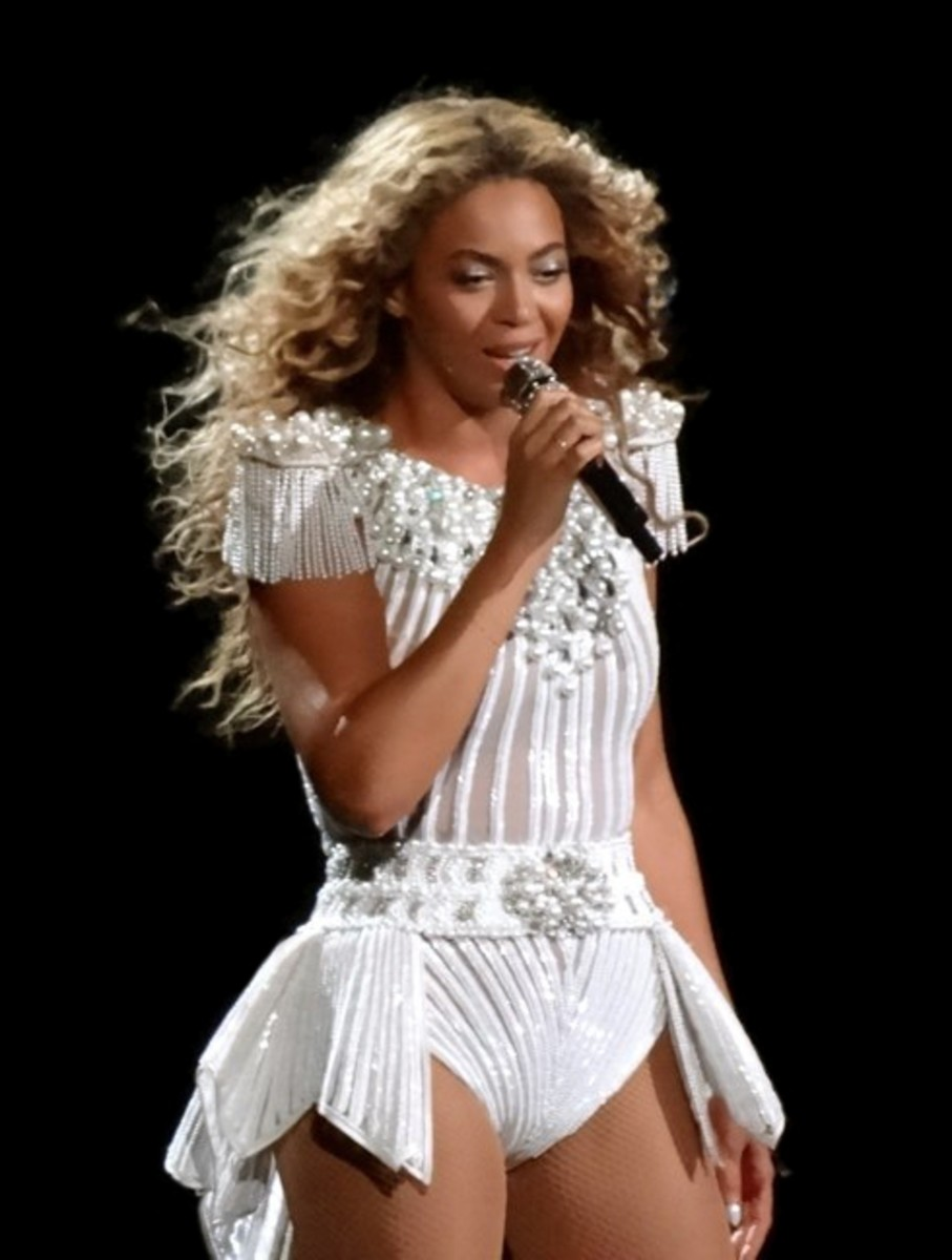 Beyonce performing in Montreal