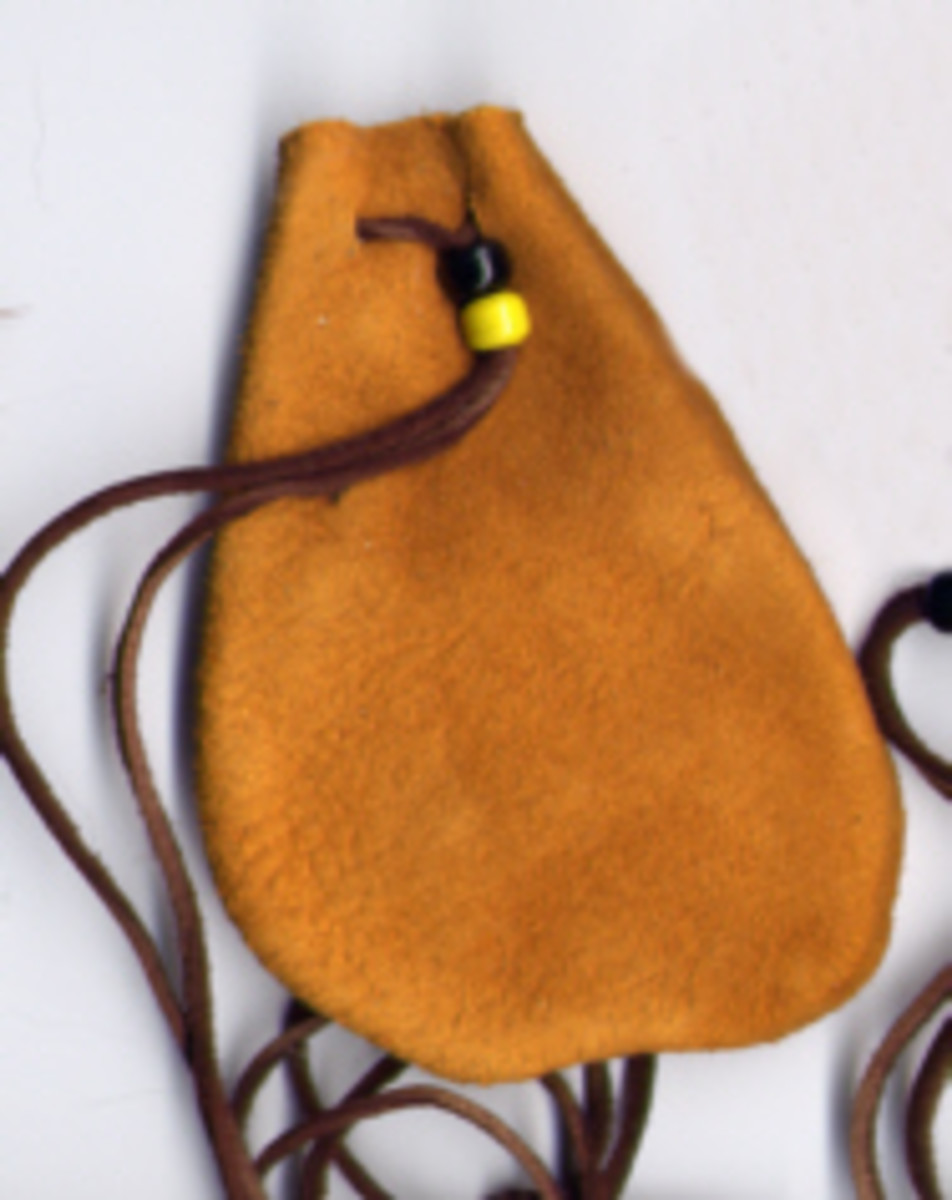Make Your Own Medicine Bags and Magic Pouches