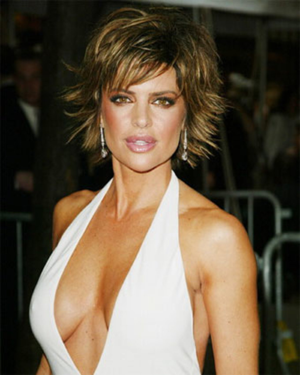 lisa rinna looking sexy with a short choppy hair cut
