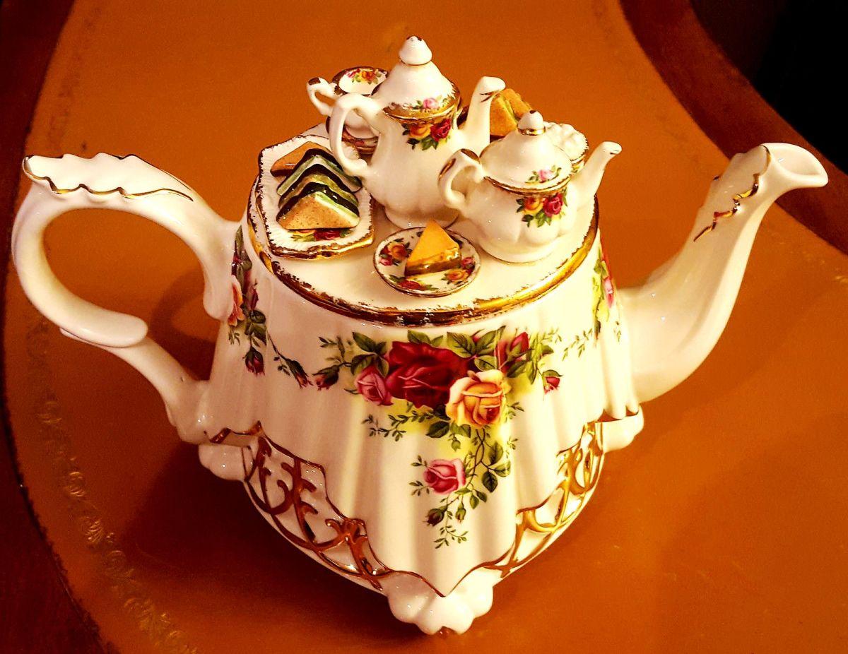 Paul Cardew Teapot