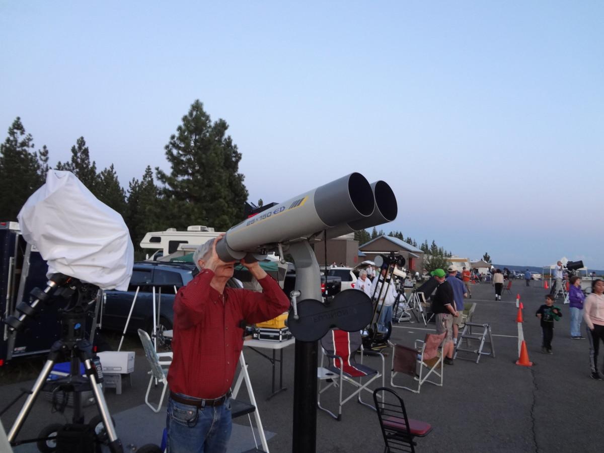 Fujinon 25 x 150 binoculars