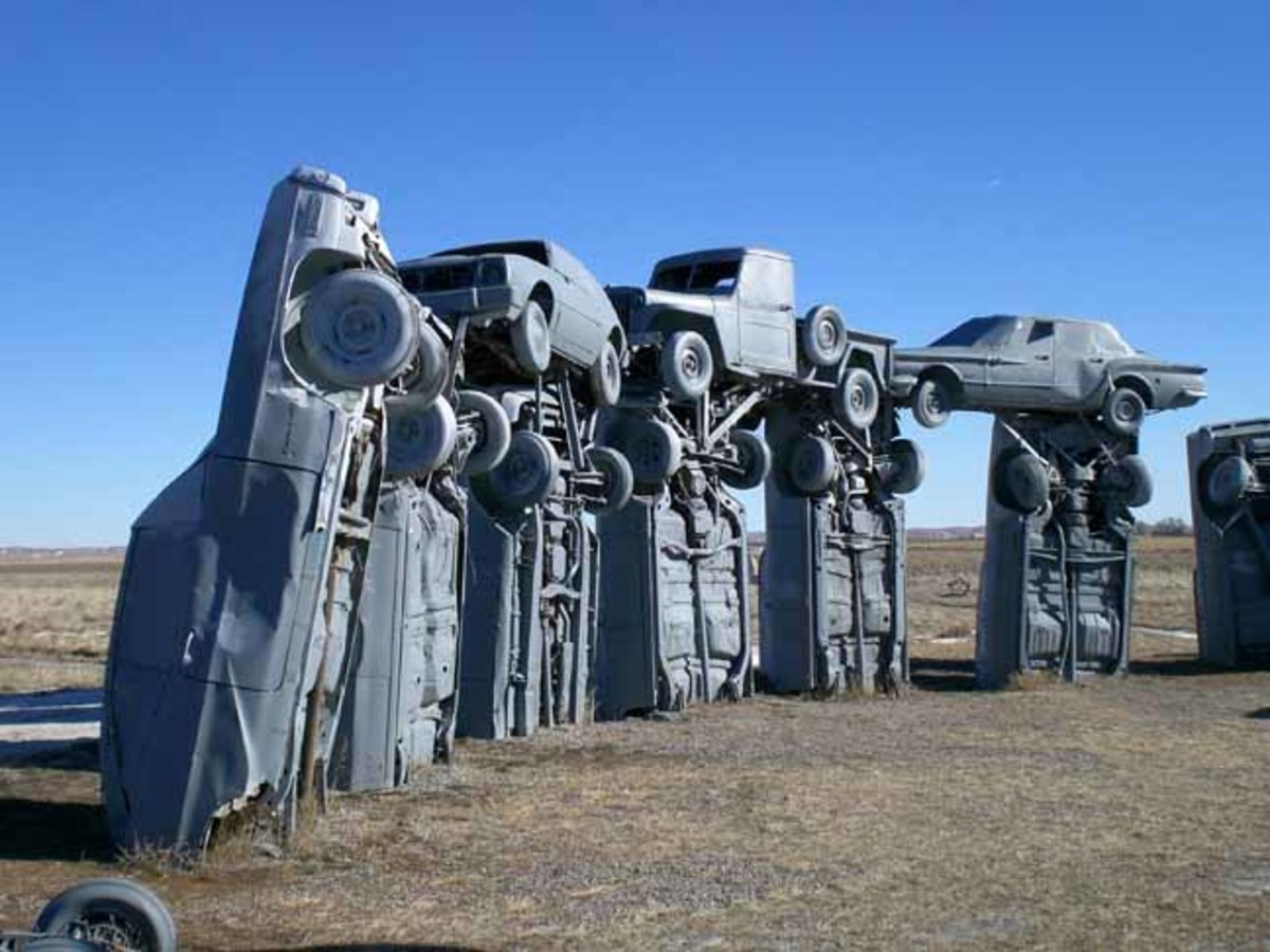 Roadside Oddities: Car Art