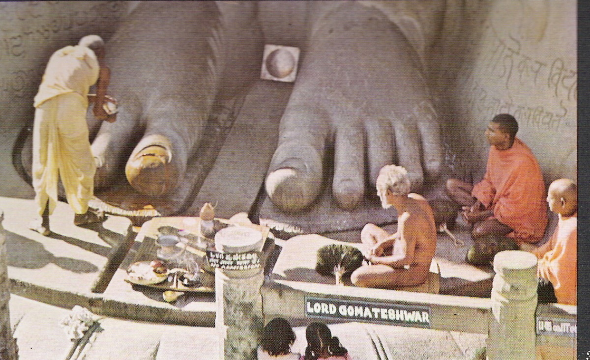 Nirgrantha muni(nude saint) at the feet of lord gommateshwara