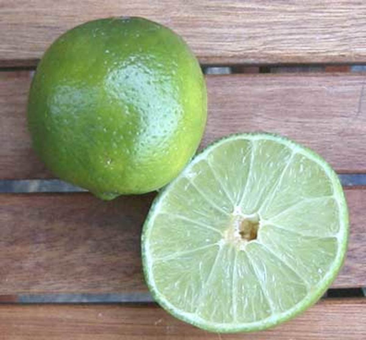 Easy 1 minute lemonaid. Get some citric acid and make easy lemonaid, and also be a better cook!!