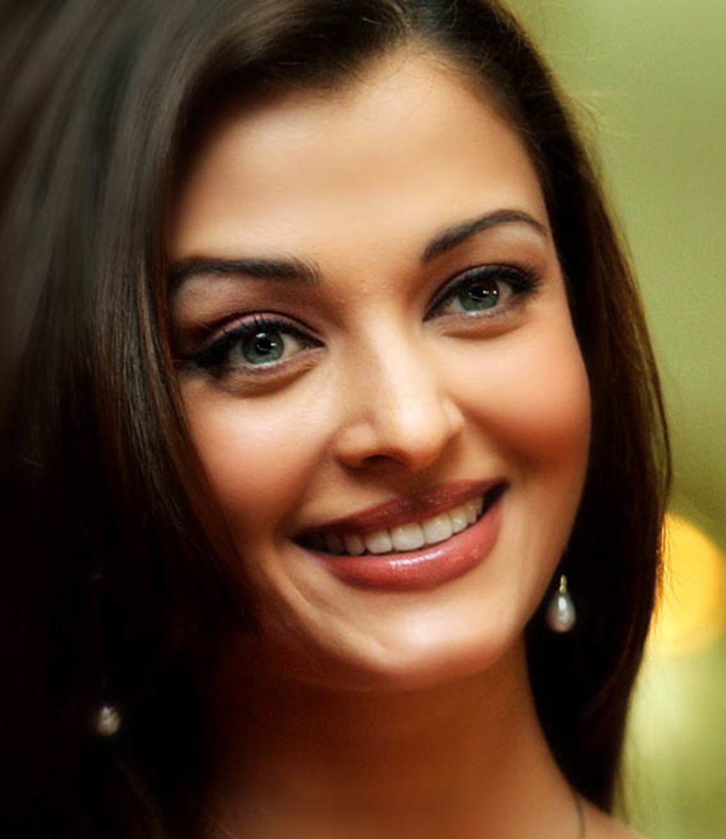 Most Beautiful smile of Aishwarya Rai