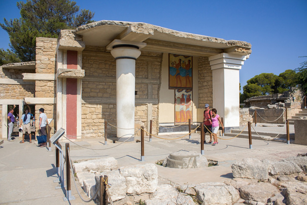 "Knossos: ""The Most Beautiful Palace"""