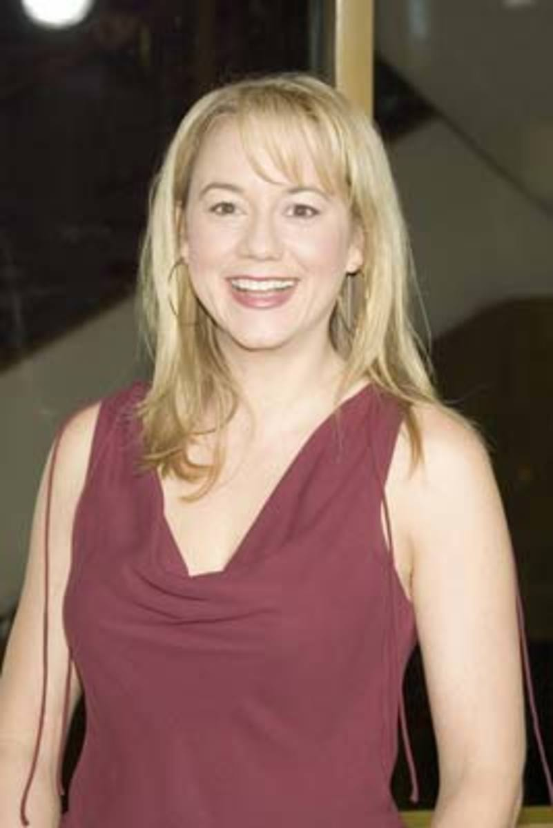 Megyn Price Hot Photos And Videos | HubPages