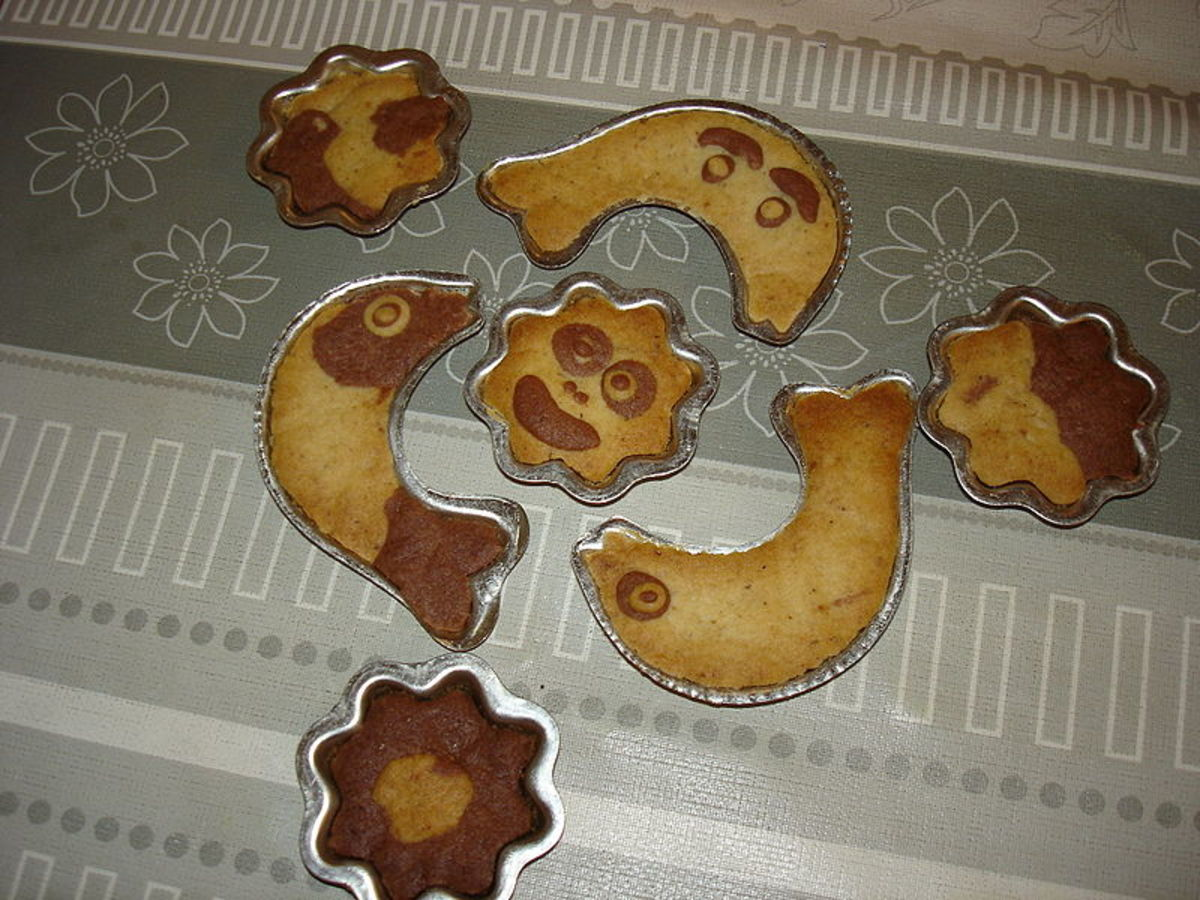 Creative chocolate chip cookies that use thin molds.
