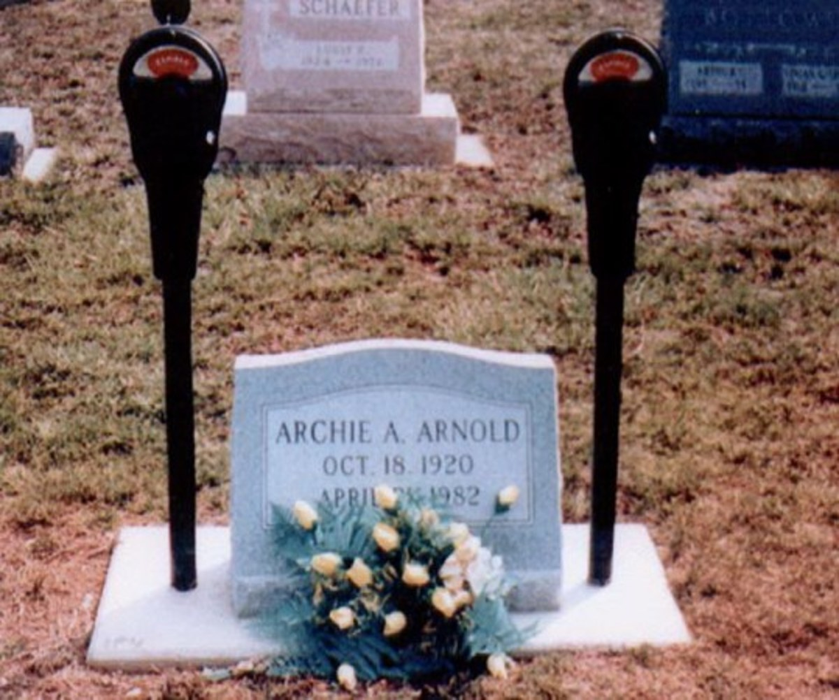78895 f496, Guest Expressed: The 8 Wackiest Tombstones In The World