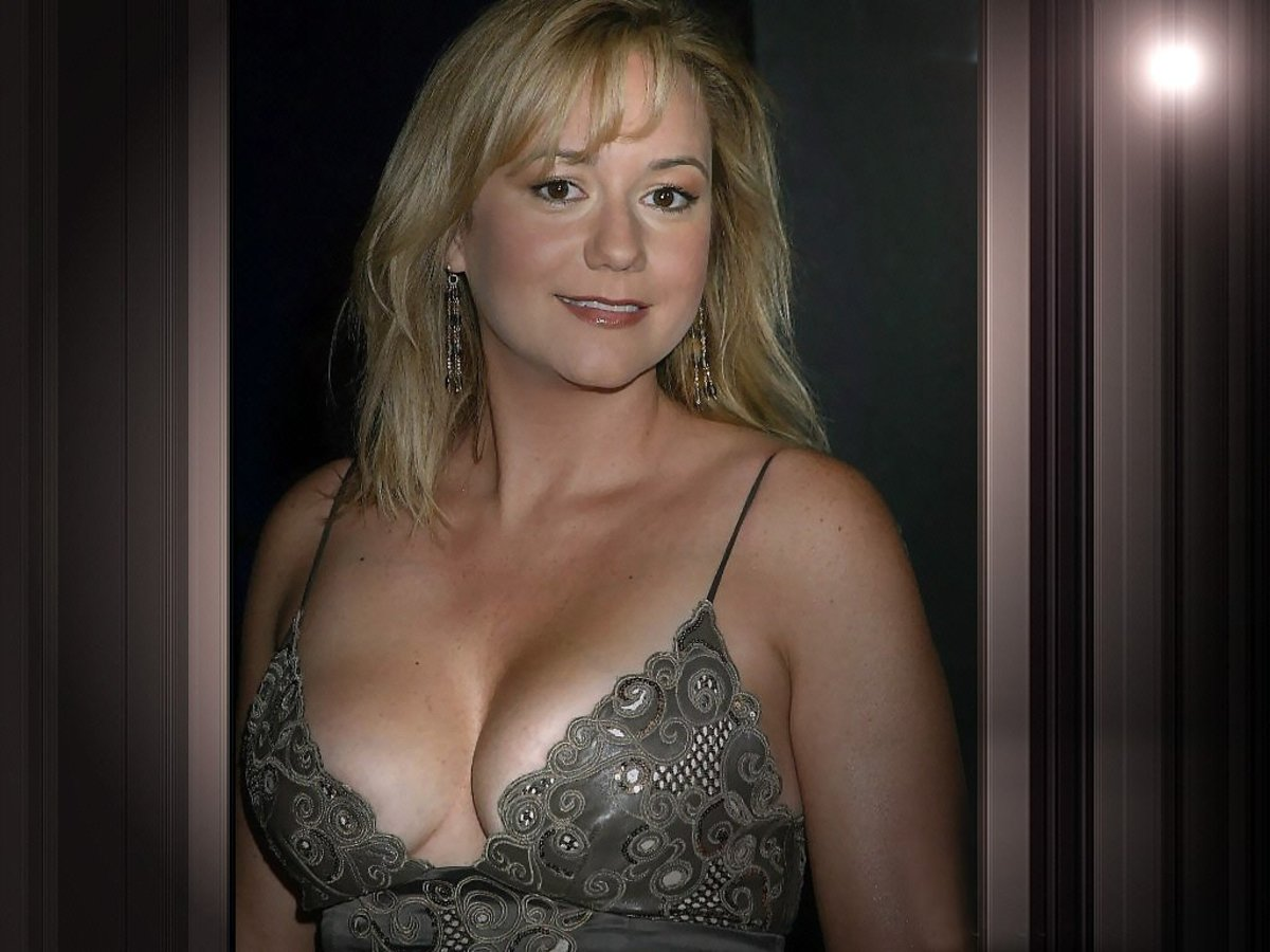 Megyn Price Cleavage Photo