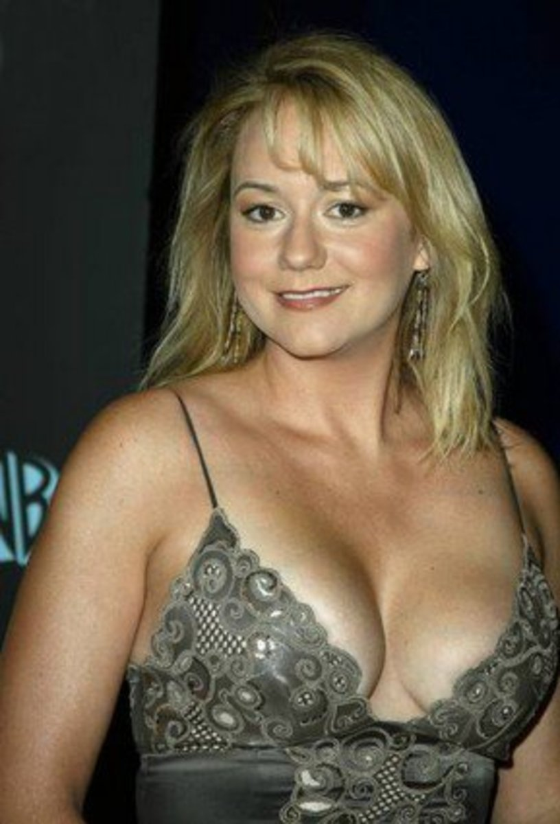 Megyn Price Hot Photos And Videos
