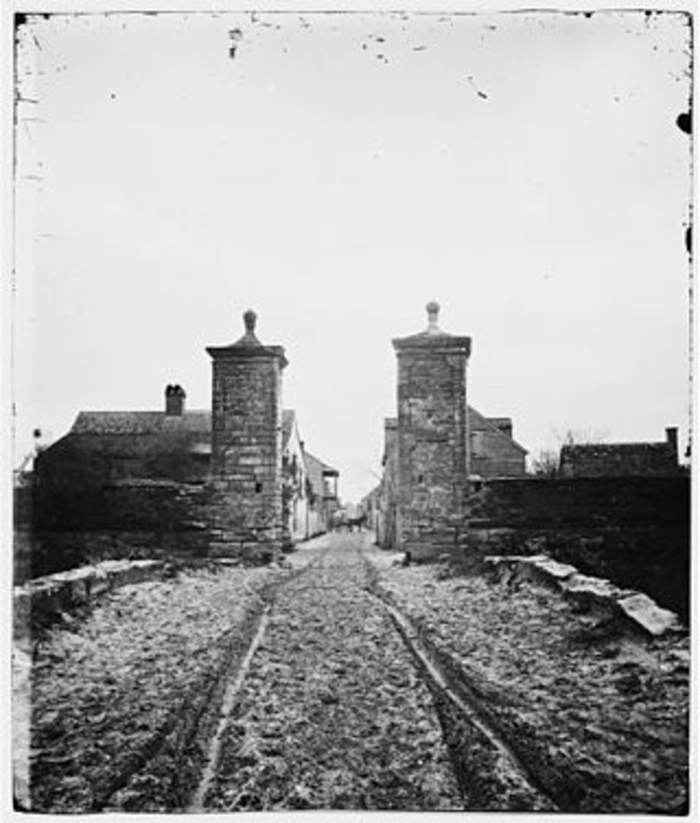 In the photo from just after the American Civil War is a photo of what the old city gates of St Augustine looked like then.