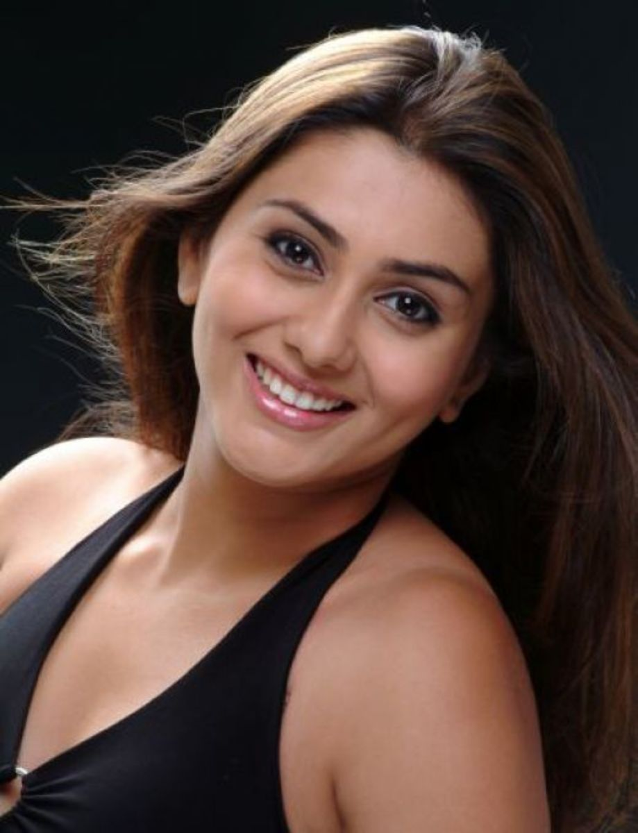 Happy Namitha Pictures