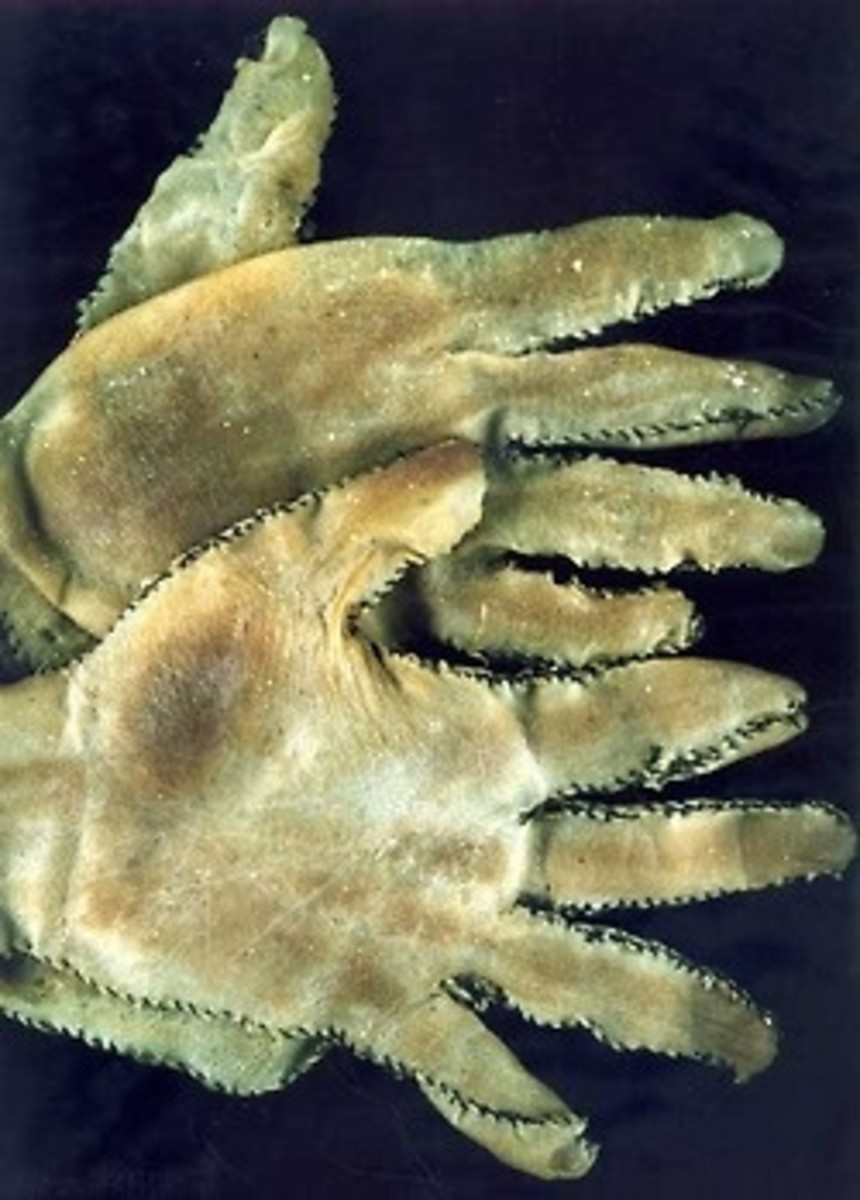 Gloves Made Of Human Skin That Were Made By Ed Gein