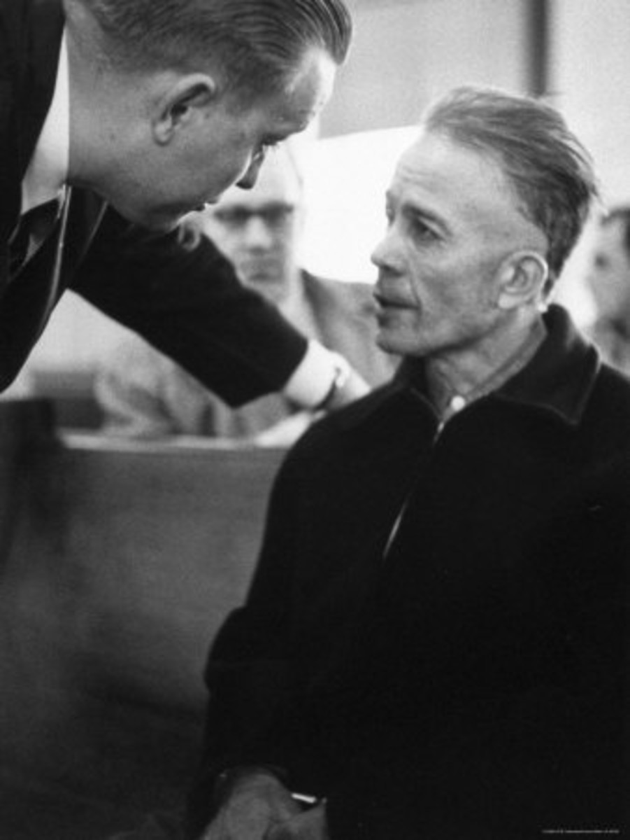 Ed Gein Getting Advise From His Lawyer