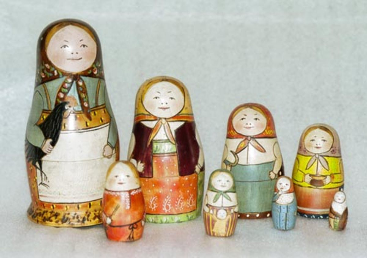 Matryoshka Dolls = 8 (vocem') in this full set. Sets of similar dolls are given as gifts at Christmas and on other special occasions.