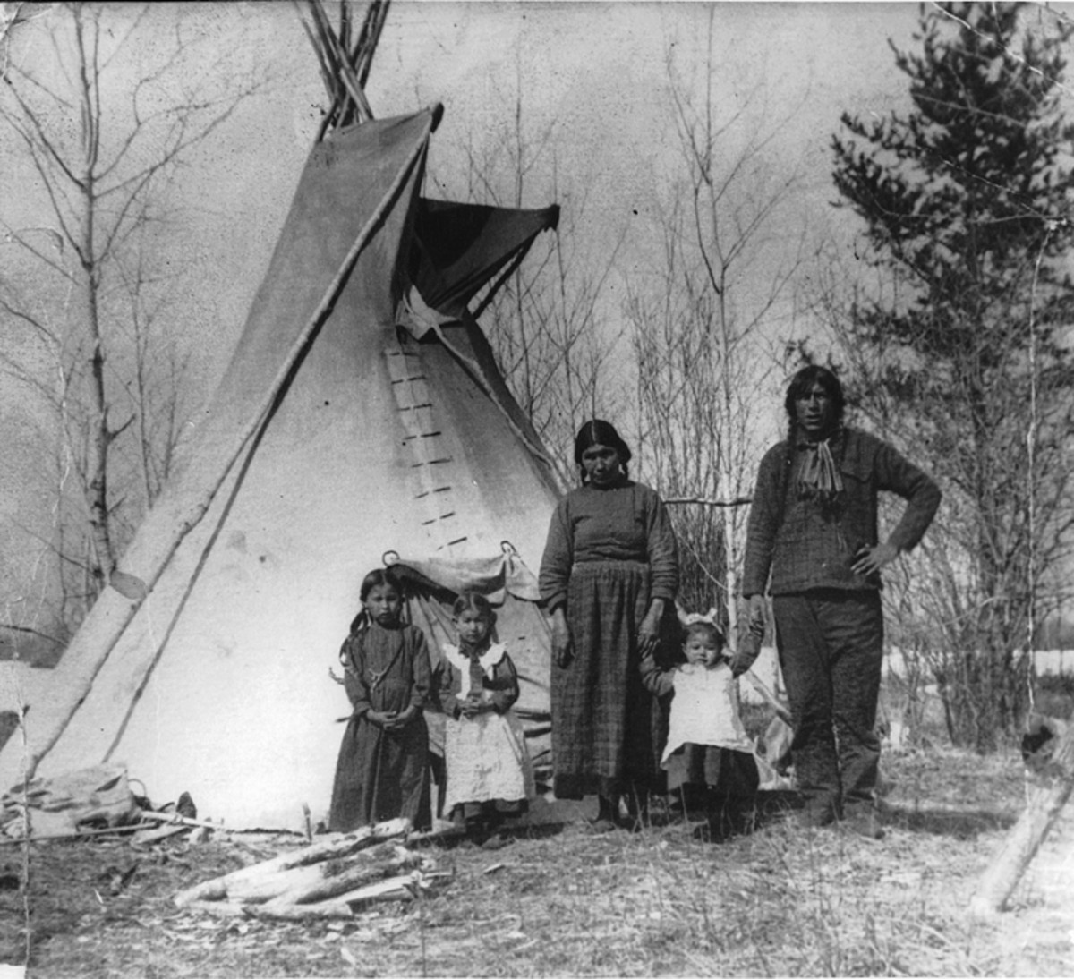 A Cree family in 1919.