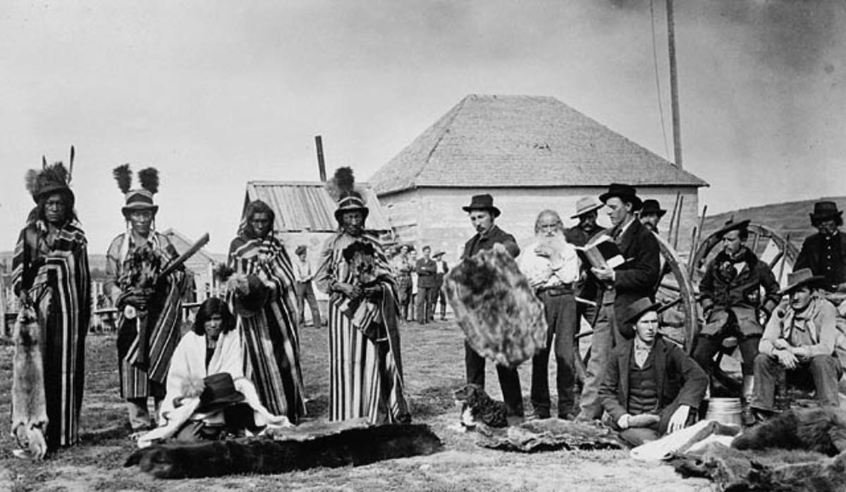 Cree people at Fort Pitt, Saskatchewan in 1884.