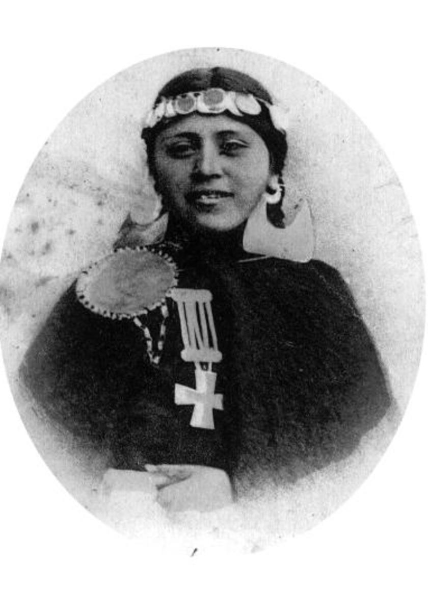 Niña Mapuche Concepción. Photo portrait was taken in Chile, South America, in 1902