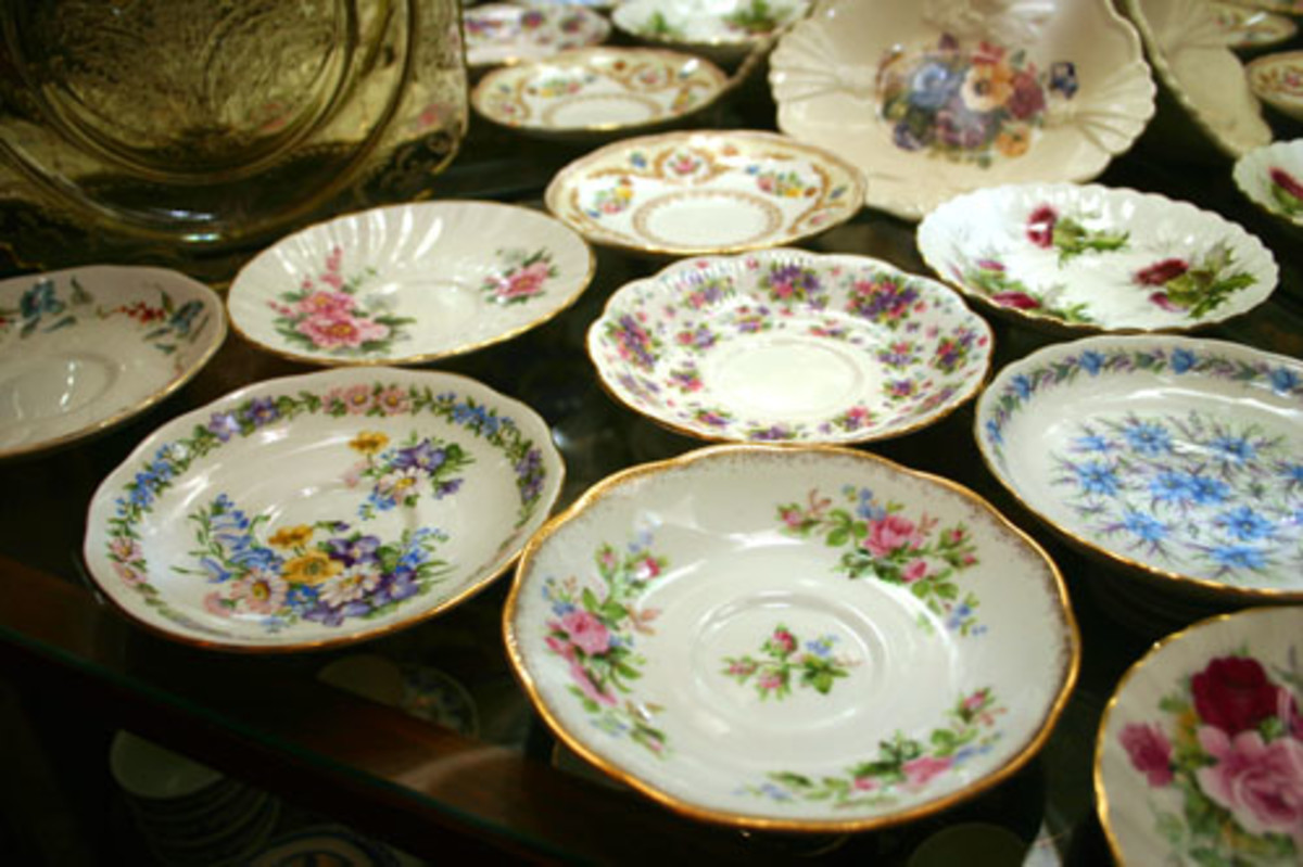 Wedding Buffet Idea: Thrift Shop Fine China Plates