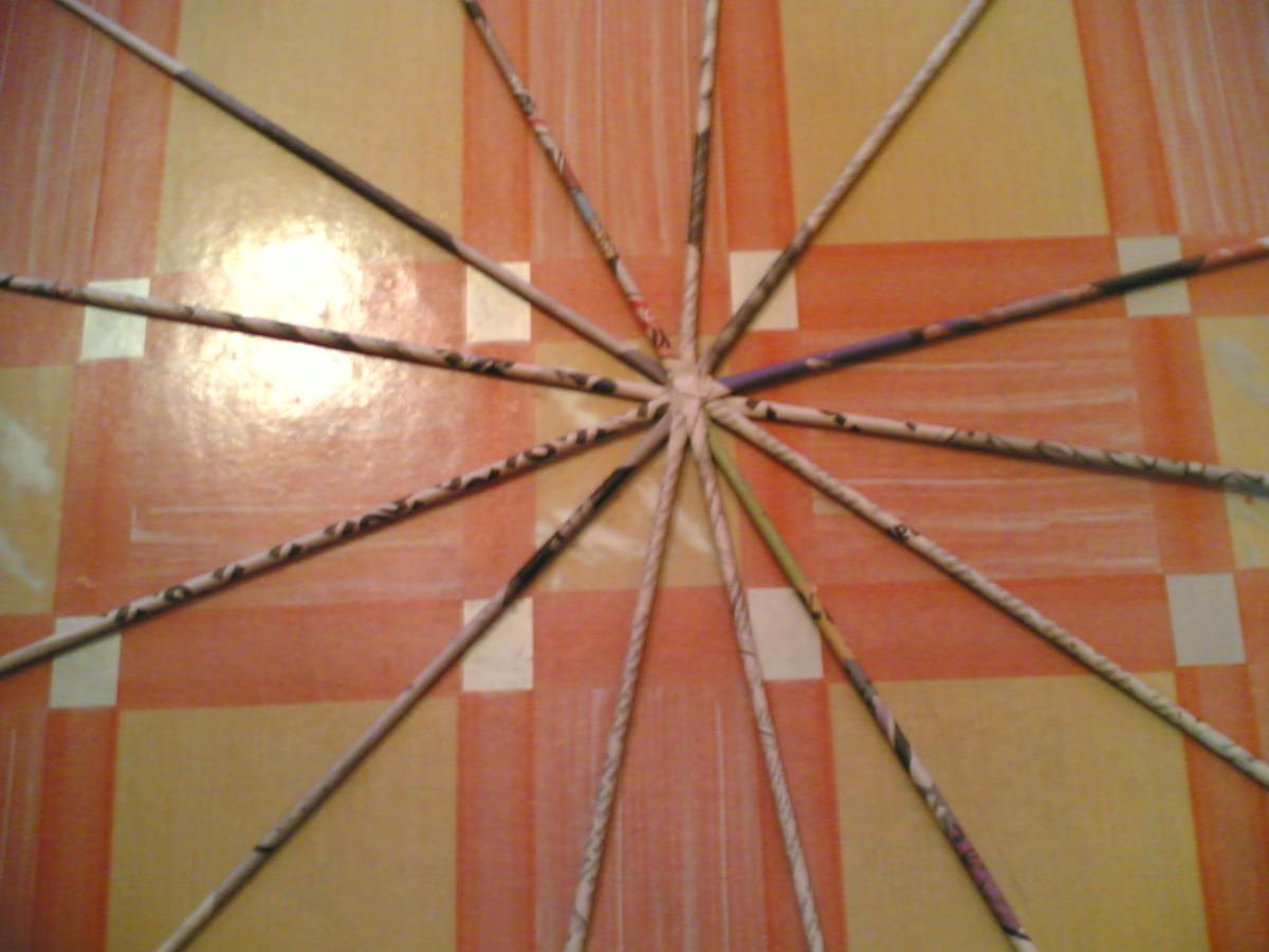 3.Prepare the bottom of basket (in star shape arrangement)