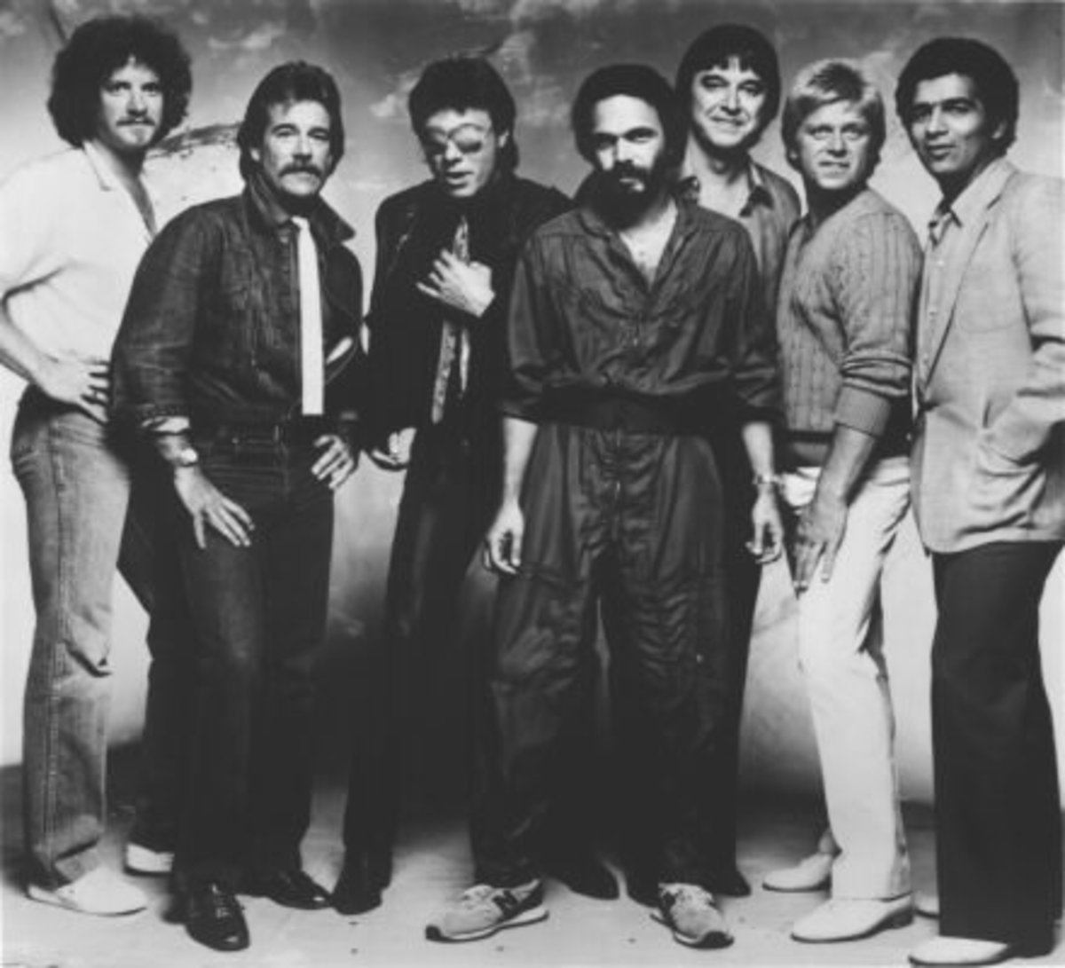Chicago 1980  Lee Loughnane; James Pankow;  Robert Lamm; Danny Seraphine;  Walt Parazaider; Peter Cetera;  Laudir DeOliveira