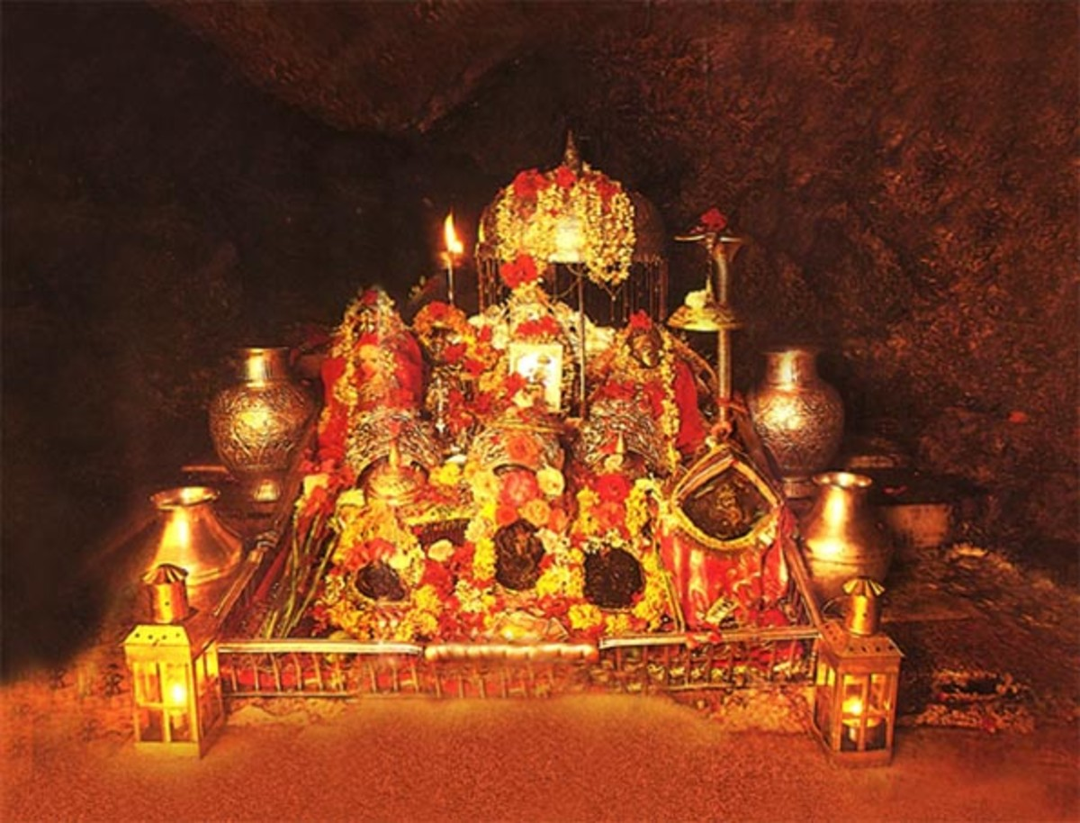 Mata Vaishno Devi Shrine Live Pindi Darshan Photograph