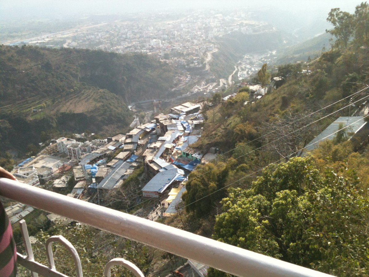 Jai Mata Di - Maa Vaishno Devi Yatra 2012 - awesome view from Trikuta mountains.