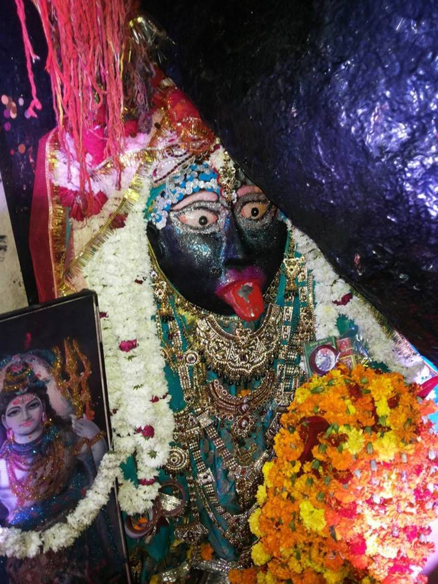 Kali Mata Mandir. This idol of Maa Kali was naturally discovered many decades back in the West Patel Nagar area of New Delhi. A lot of people from several parts of the world come here to take blessings of Kali Maa and get their wishes fulfilled.