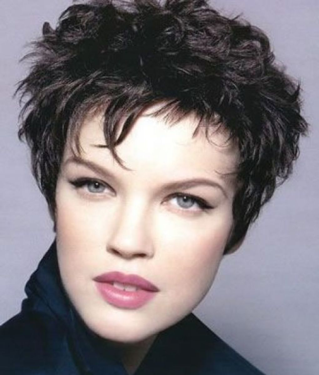short hair cuts for older women. short pixie hair styles for