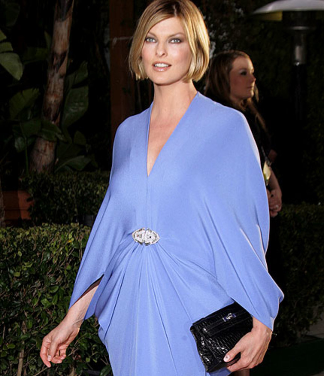 Linda Evangelista's Blonde Short Hair (Photo from virginmedia)