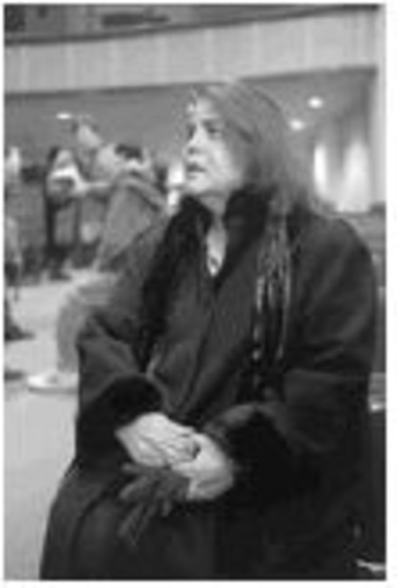 Wilma Mankiller became the first woman chief of the Cherokee Nation of Oklahoma, winning the election with 56 percent of the vote.