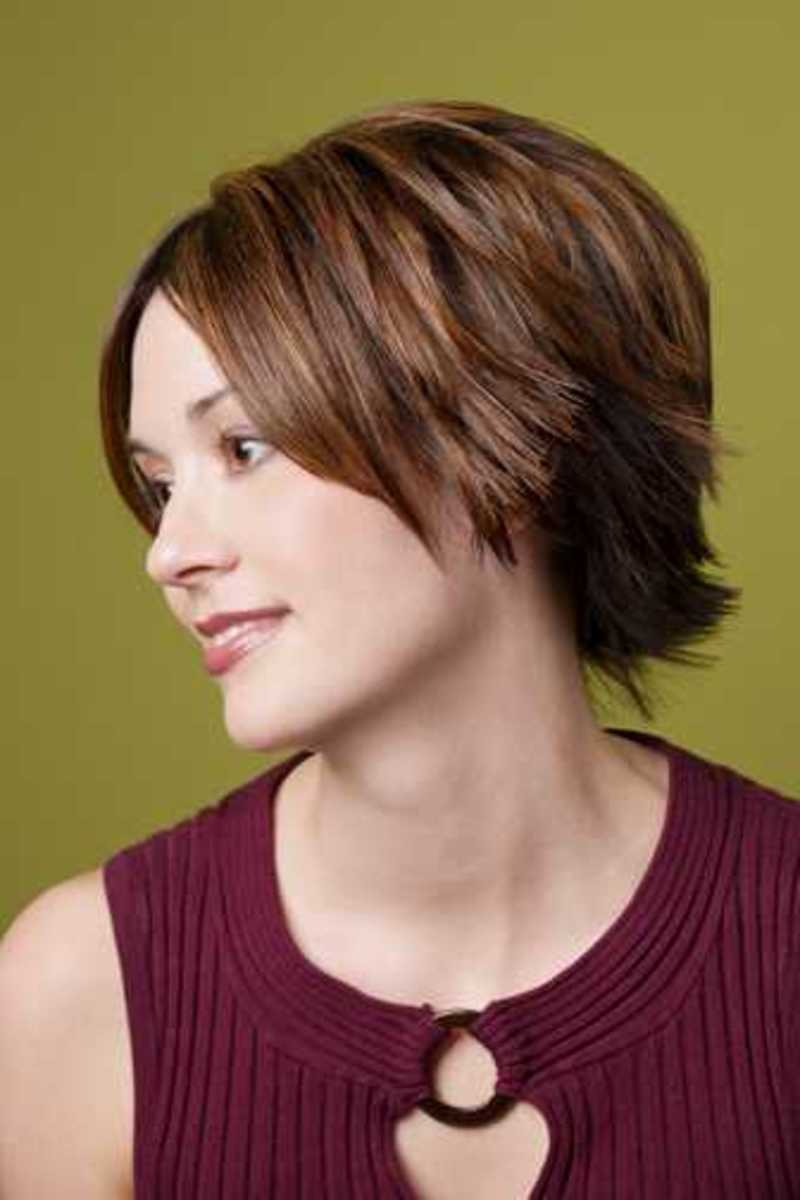 girls look so confident with a colored short trendy hairstyle