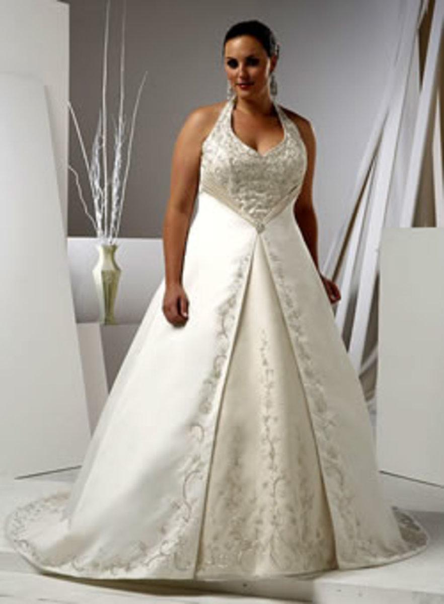 Classic plus size wedding dress