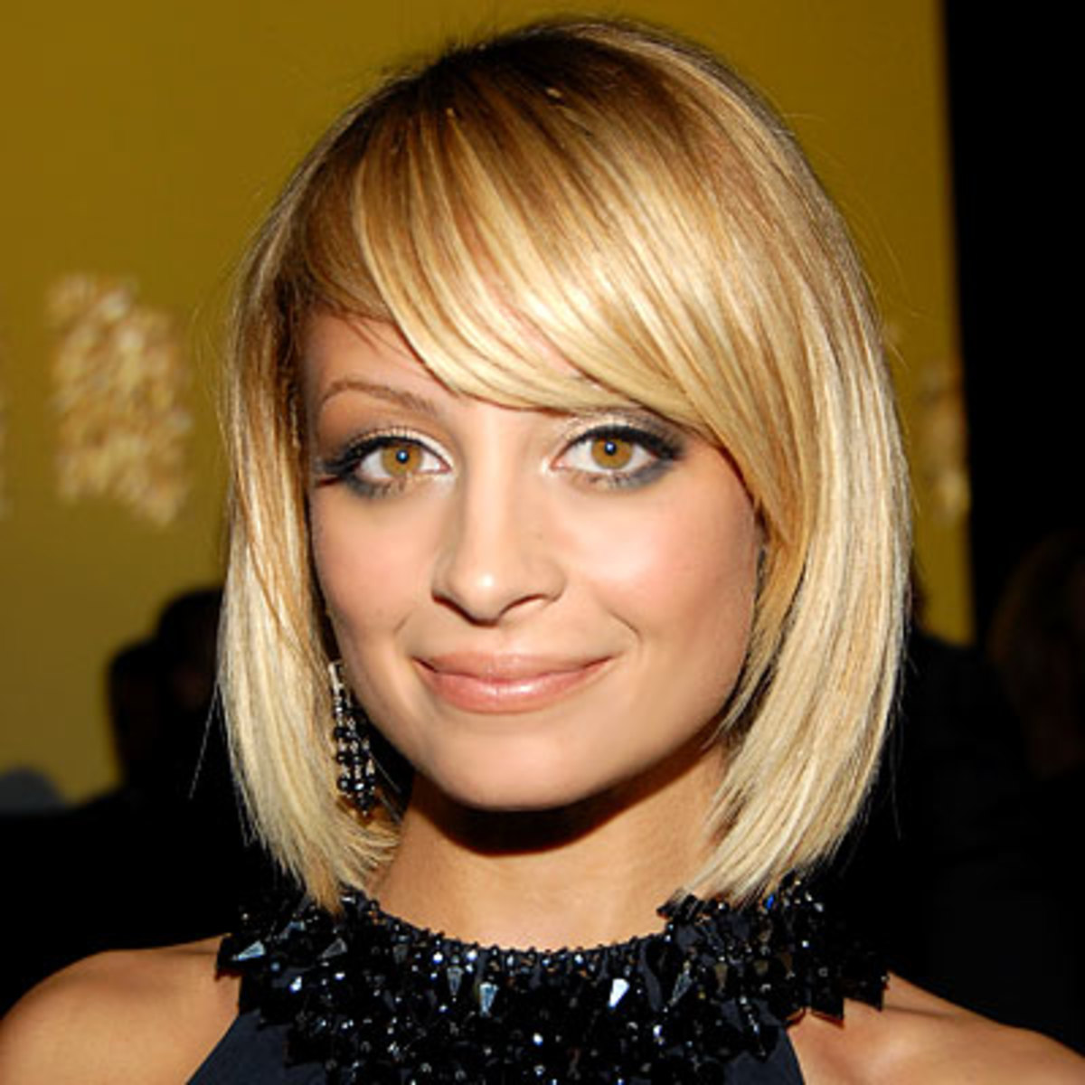 medium length bobbed hairstyles