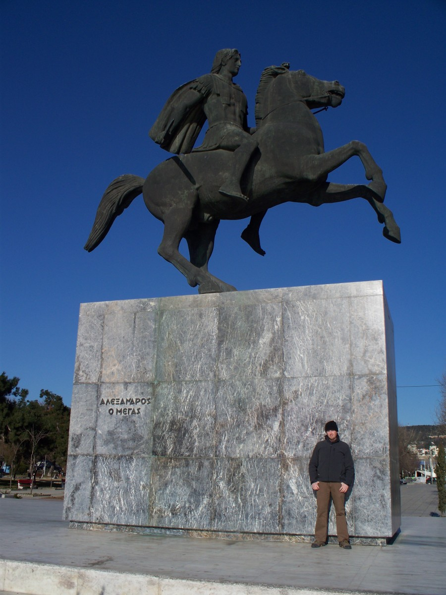 The author, feeling somewhat insignificant in Thessaloniki