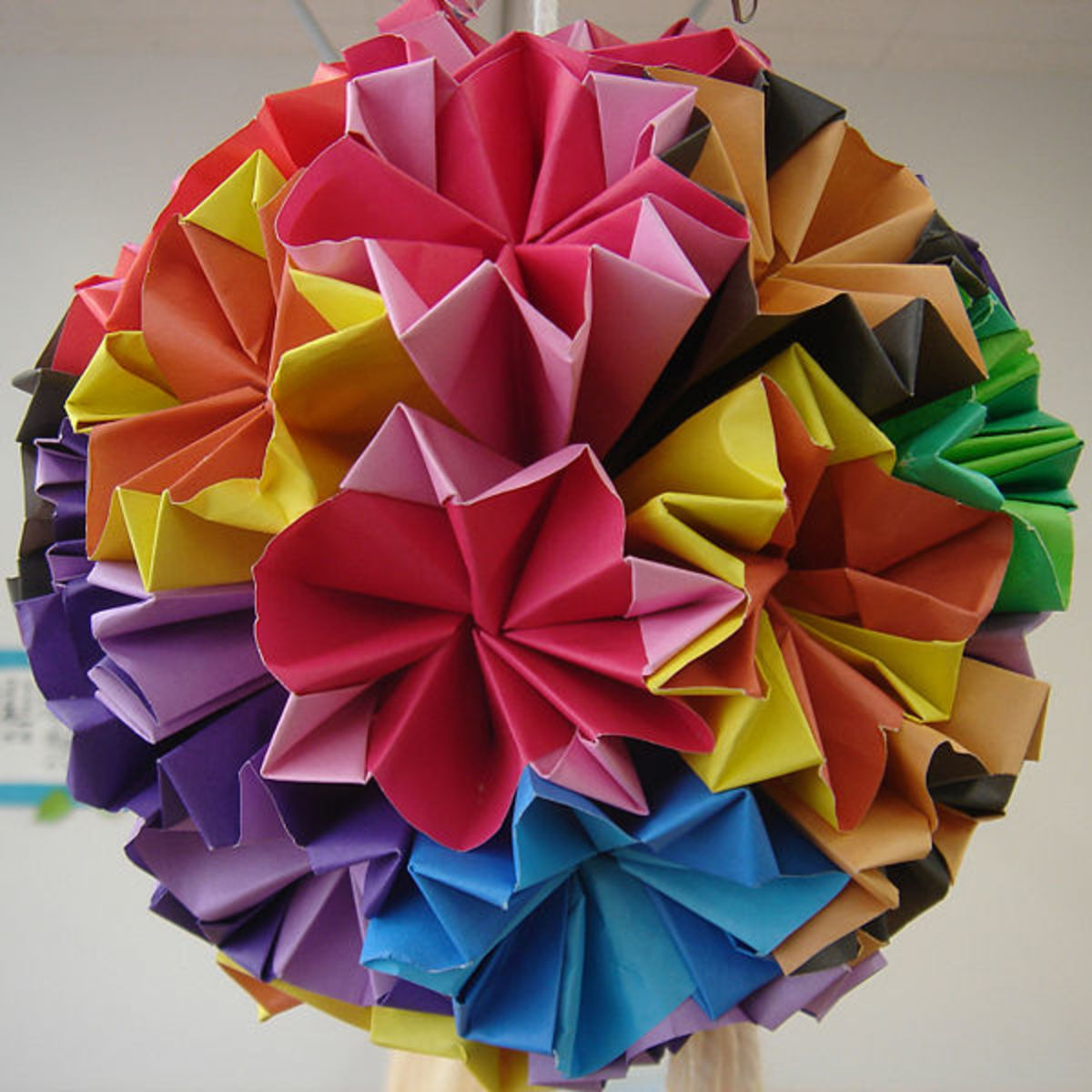 How to Origami for Beginners This is a great site with a nice bubbly