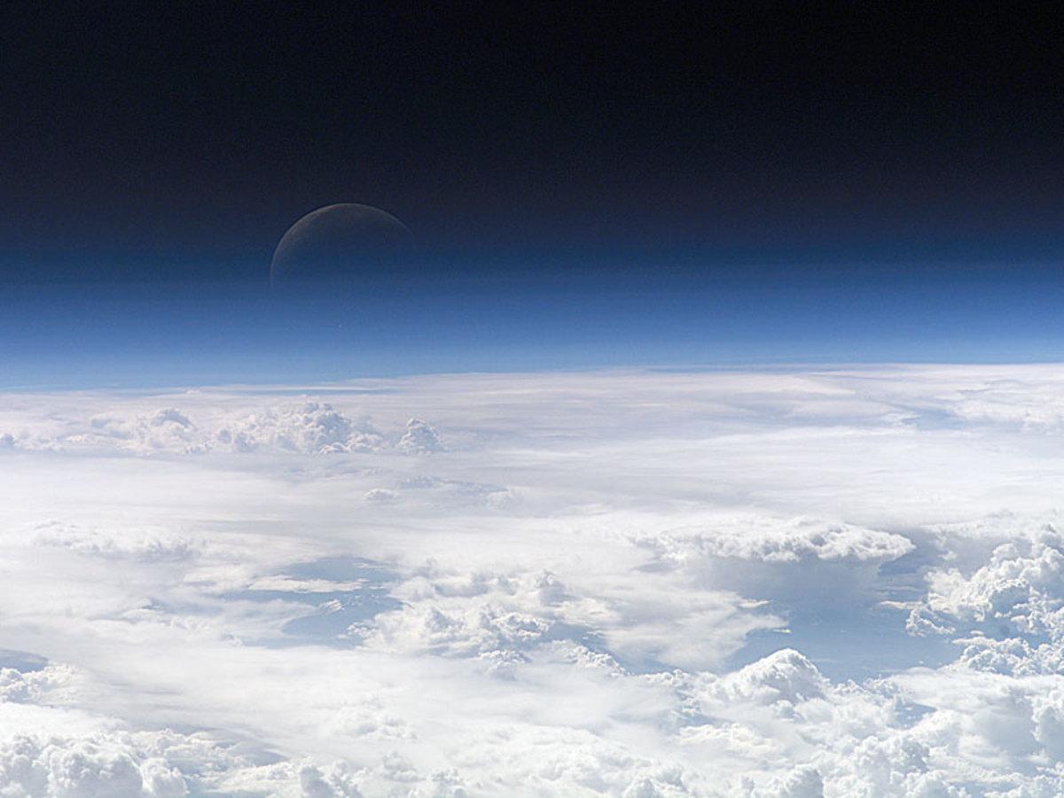 Moon - Stratosphere - Troposphere