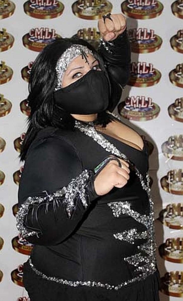 CMLL Luchadora Goya Kong