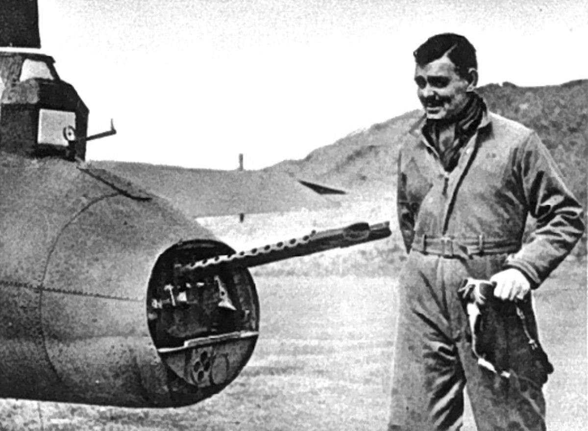 Clark Gable with 8th AF in Britain 1943