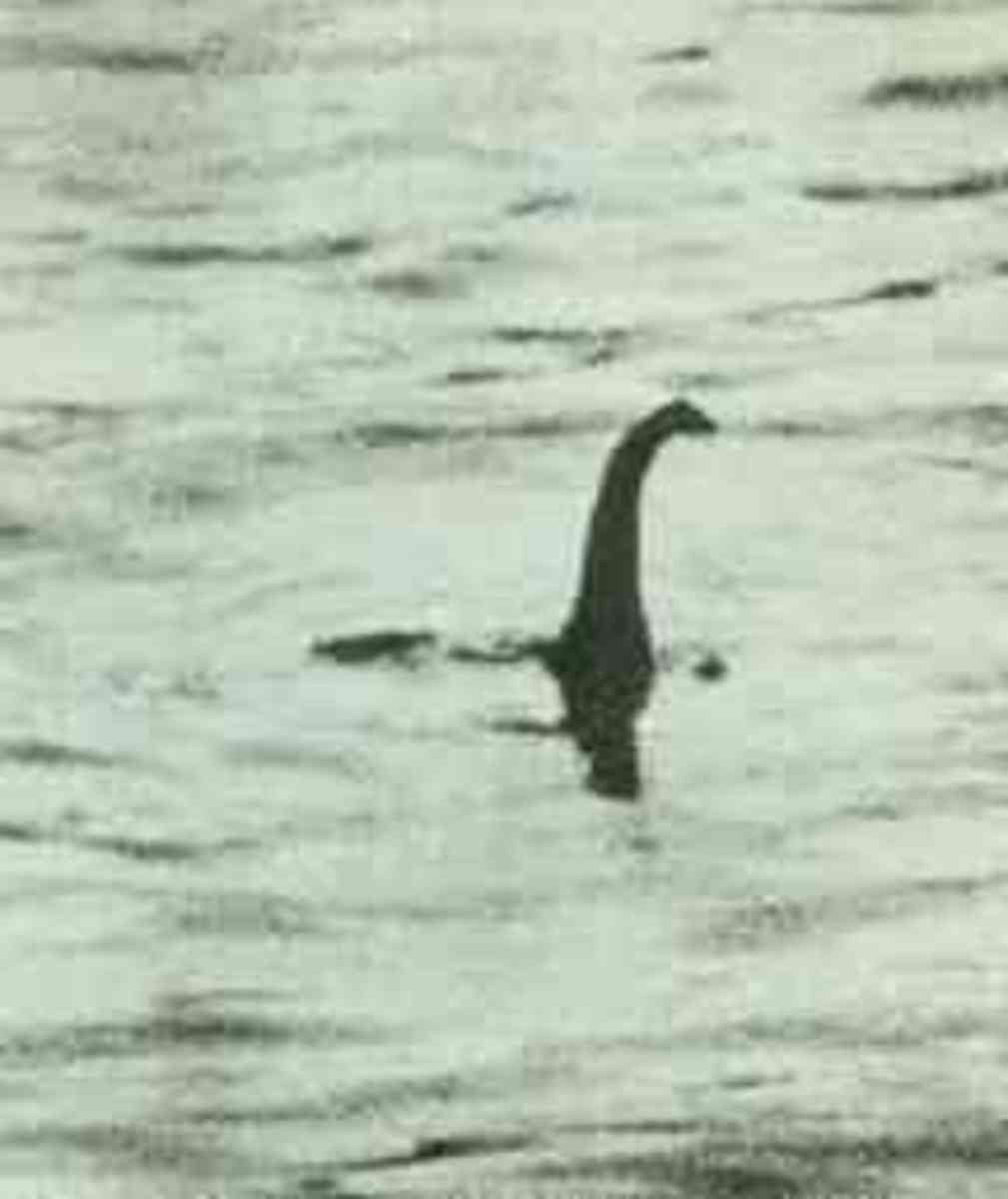 Surgeon's Photo of the Lochness Monster (Hoax)