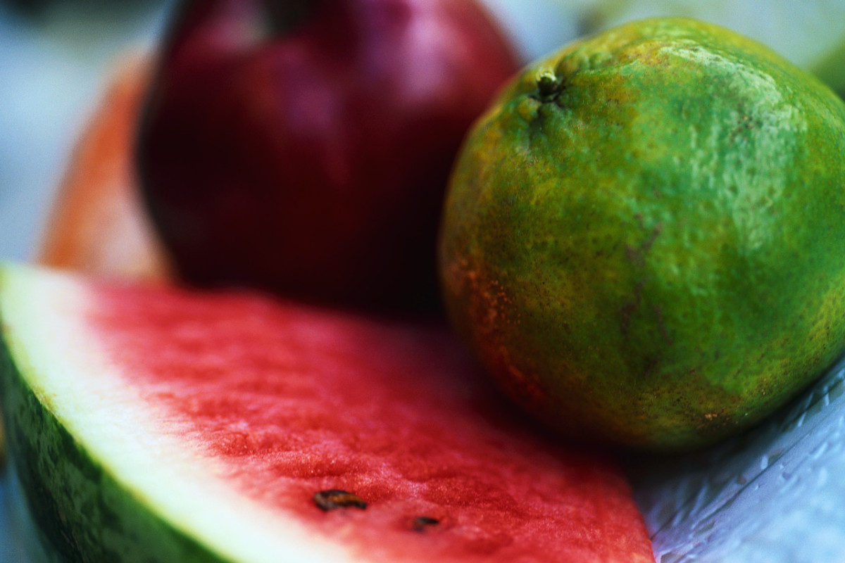What is a serving size of fresh fruit?